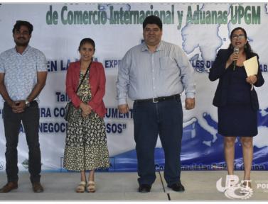 Feria de proyectos de alumnos de la licenciatura en comercio internacional y aduanas.